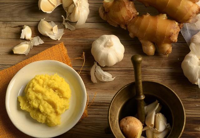Thời tiết giao mùa dễ ốm, nên ăn những thực phẩm nào để tăng cường hệ miễn dịch giúp phòng bệnh - Ảnh 3.