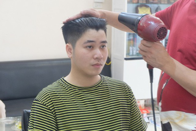 Hanoi S People Band Together To Cut The Hairstyles Of Donald Trump