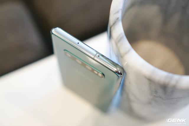 Trên tay Galaxy S10 và S10+: Bước ngoặt mới trong thiết kế smartphone - Ảnh 9.
