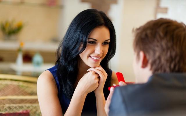 Phụ nữ thực tế là quyến rũ nhất: 5 lý do chị em nhất định phải có TIỀN trong tay, người khôn ngoan không bao giờ trở thành GÁNH NẶNG của chồng! - Ảnh 1.