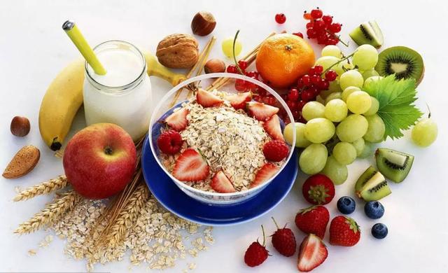 4 thói quen ăn uống rất có hại cho hệ tiêu hóa: Nếu ăn trong lâu dài thì dạ dày sẽ hỏng - Ảnh 2.