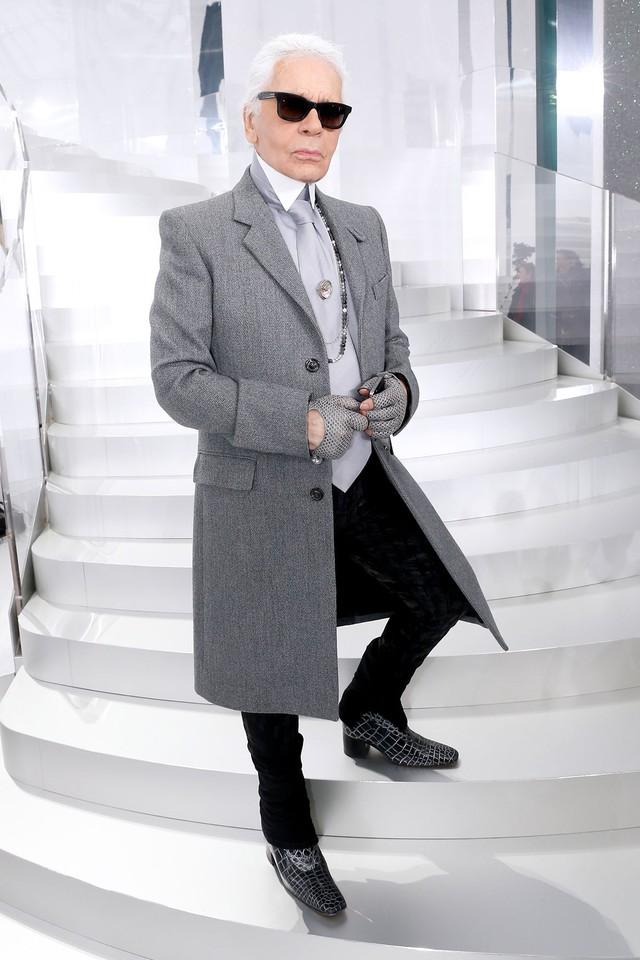 Lễ hỏa táng của huyền thoại Karl Lagerfeld: Công chúa Monaco, tổng biên tạp chí Vogue cùng dàn siêu mẫu đến tiễn đưa - Ảnh 1.