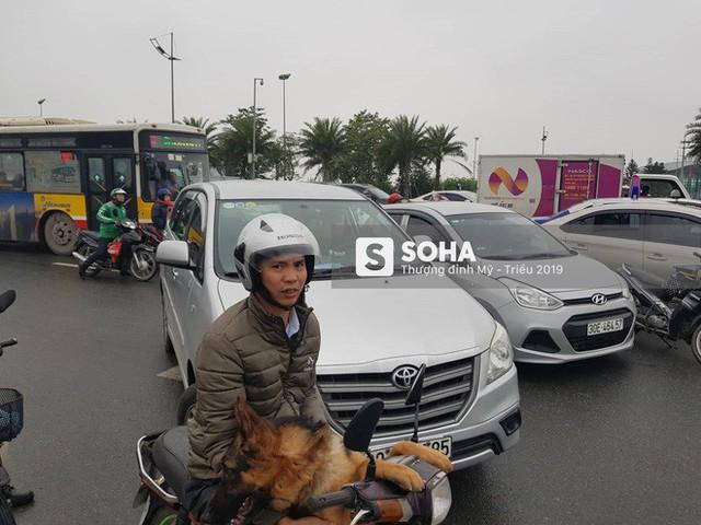 [Nóng] Siêu xe Quái thú của Tổng thống Trump đã tới Hà Nội - Ảnh 12.