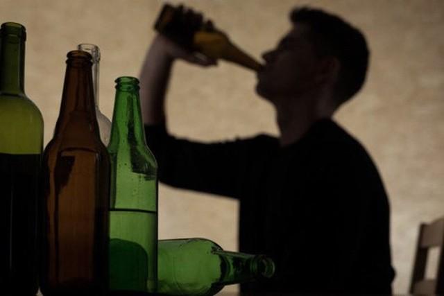 4 thói quen ăn uống rất có hại cho hệ tiêu hóa: Nếu ăn trong lâu dài thì dạ dày sẽ hỏng - Ảnh 3.