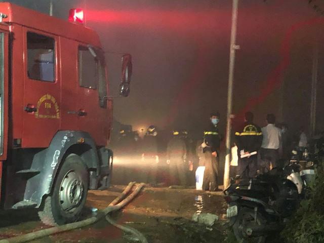 Cháy lớn tại nhà máy giấy ở Thừa Thiên - Huế - Ảnh 4.