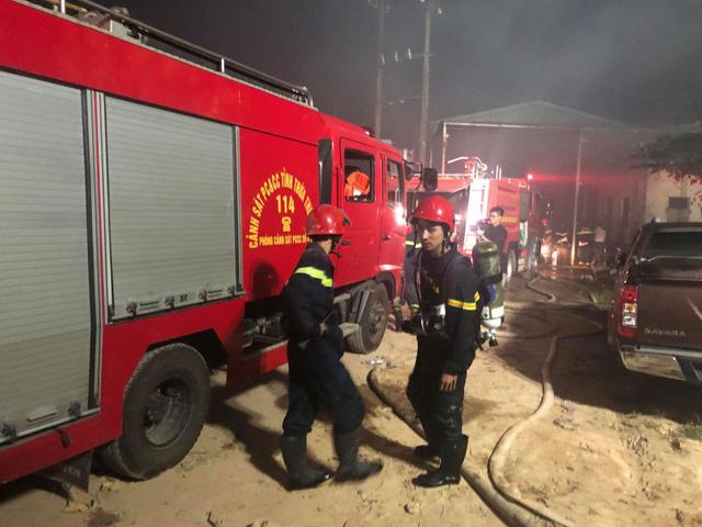 Cháy lớn tại nhà máy giấy ở Thừa Thiên - Huế - Ảnh 5.
