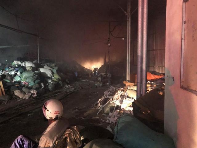 Cháy lớn tại nhà máy giấy ở Thừa Thiên - Huế - Ảnh 7.