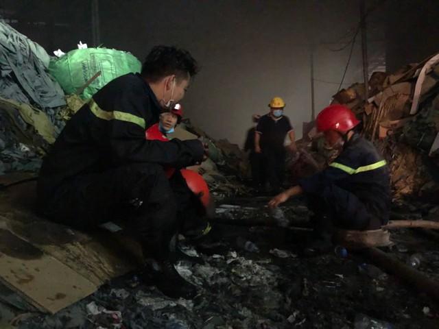 Cháy lớn tại nhà máy giấy ở Thừa Thiên - Huế - Ảnh 8.