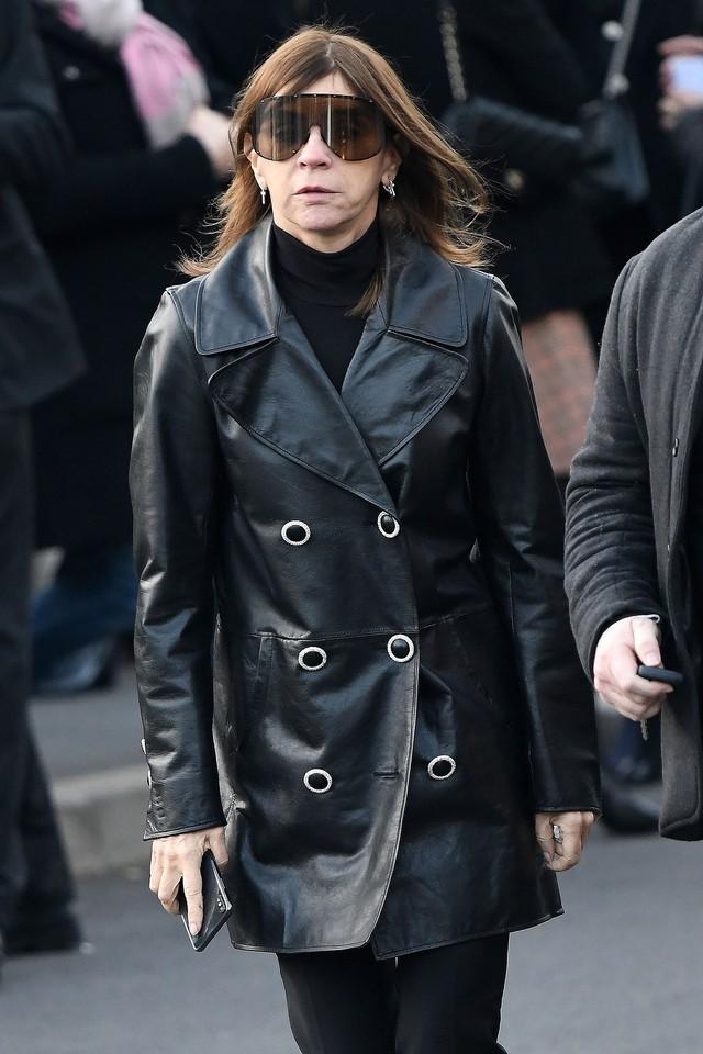 Lễ hỏa táng của huyền thoại Karl Lagerfeld: Công chúa Monaco, tổng biên tạp chí Vogue cùng dàn siêu mẫu đến tiễn đưa - Ảnh 10.