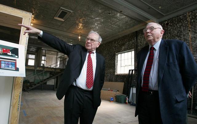 Tỷ phú 95 tuổi - cánh tay phải của Warren Buffett, chia sẻ về bí kíp sống lâu và hạnh phúc: Không đố kị, không oán giận và ở bên những người đáng tin cậy - Ảnh 1.