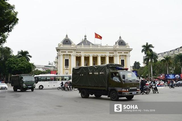 Nhân viên an ninh Triều Tiên tới một khách sạn lớn ở Hà Nội - Ảnh 9.