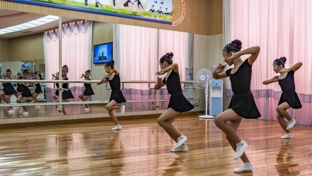 Chùm ảnh: Cuộc sống của thế hệ trẻ lớn lên ở Triều Tiên - Ảnh 11.