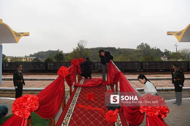 [Ảnh] Xe bọc thép xuất quân, ga Đồng Đăng trải thảm chờ đón Chủ tịch Kim Jong Un - Ảnh 4.