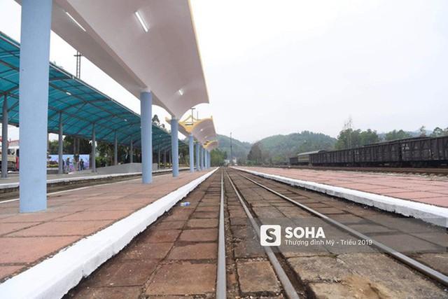 [Ảnh] Xe bọc thép xuất quân, ga Đồng Đăng trải thảm chờ đón Chủ tịch Kim Jong Un - Ảnh 6.