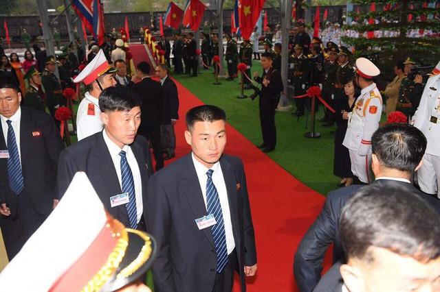 [ẢNH] Toàn cảnh buổi tiếp đón nhà lãnh đạo Triều Tiên Kim Jong Un tại ga Đồng Đăng - Ảnh 1.