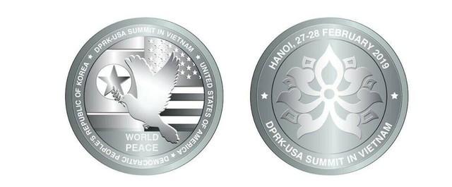 9h sáng mai 27/2, chính thức phát hành đồng xu bạc kỷ niệm Hội nghị thượng đỉnh Mỹ - Triều - Ảnh 1.