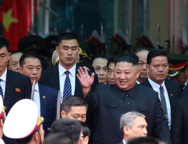 [ẢNH] Toàn cảnh buổi tiếp đón nhà lãnh đạo Triều Tiên Kim Jong Un tại ga Đồng Đăng - Ảnh 9.