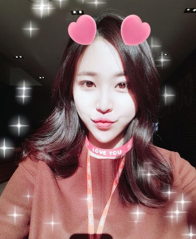 Nữ phóng viên Hàn gây sốt mạng xã hội Việt: Xinh đẹp tài năng, từng thi Hoa hậu - Ảnh 12.