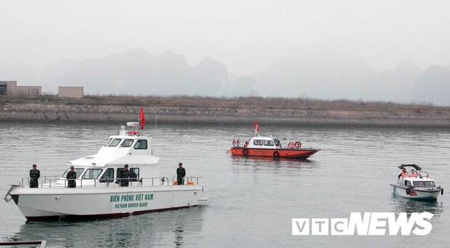 Những hình ảnh mới nhất phái đoàn Triều Tiên lên tàu 5 sao tham quan vịnh Hạ Long - Ảnh 14.