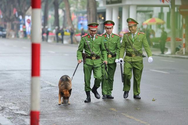 Lực lượng an ninh Việt Nam dày đặc bảo vệ khách sạn Metropole - địa điểm tổ chức thượng đỉnh Mỹ-Triều - Ảnh 7.
