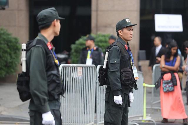 Lực lượng an ninh Việt Nam dày đặc bảo vệ khách sạn Metropole - địa điểm tổ chức thượng đỉnh Mỹ-Triều - Ảnh 8.