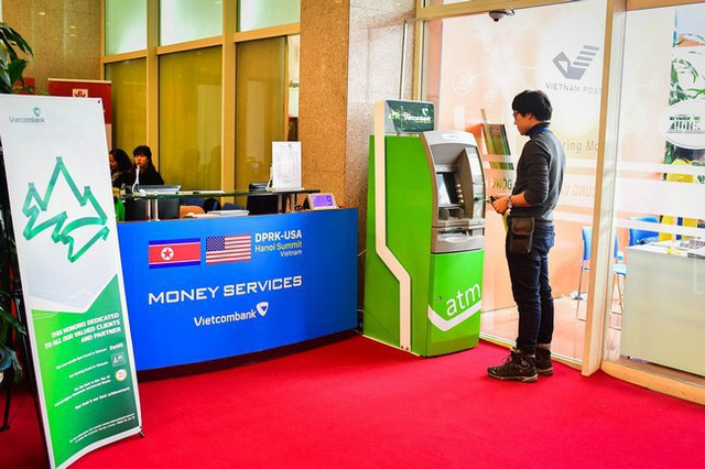 Vietcombank là ngân hàng duy nhất cung cấp dịch vụ tiền tệ tại Trung tâm báo chí Hội nghị thượng đỉnh Mỹ - Triều - Ảnh 1.