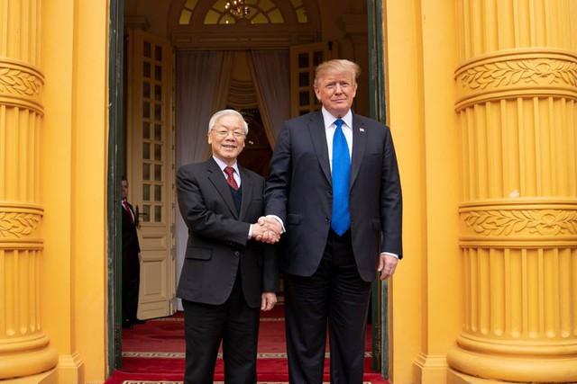Nhà Trắng đăng tải loạt khoảnh khắc đẹp trong ngày đầu Hội nghị thượng đỉnh Mỹ - Triều tại Việt Nam - Ảnh 1.