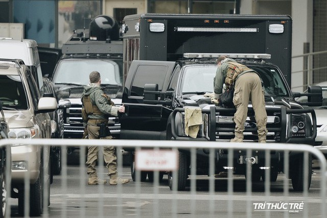 [VIDEO] Một pha chiếu tướng với đội bảo vệ TT Trump ở Hà Nội: Các chiến binh có tinh thần thép và thể lực phi thường - Ảnh 13.