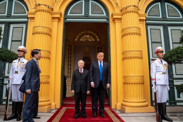Nhà Trắng đăng tải loạt khoảnh khắc đẹp trong ngày đầu Hội nghị thượng đỉnh Mỹ - Triều tại Việt Nam - Ảnh 3.