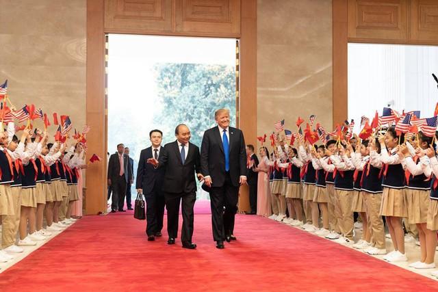 Nhà Trắng đăng tải loạt khoảnh khắc đẹp trong ngày đầu Hội nghị thượng đỉnh Mỹ - Triều tại Việt Nam - Ảnh 6.