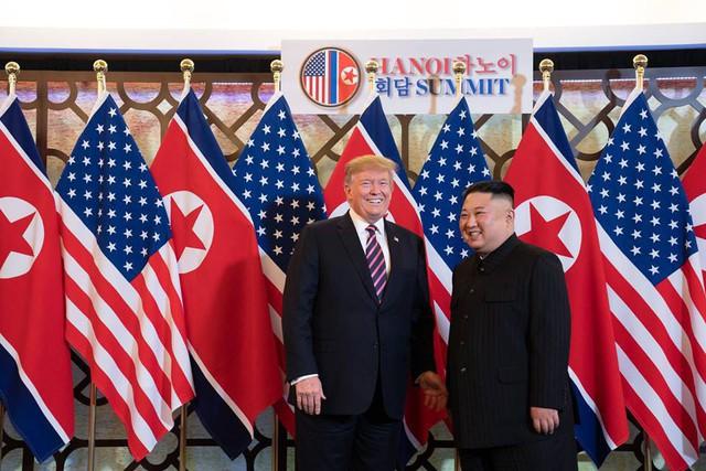 Nhà Trắng đăng tải loạt khoảnh khắc đẹp trong ngày đầu Hội nghị thượng đỉnh Mỹ - Triều tại Việt Nam - Ảnh 7.