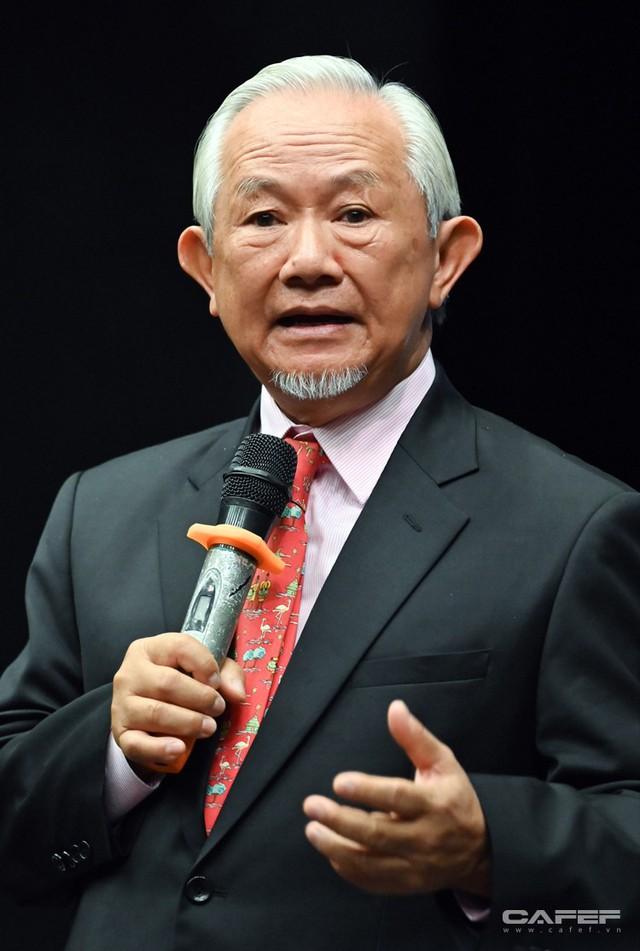 """GS. Phan Văn Trường: Đi ra nước ngoài hãy là chính mình nhưng đừng cứ 5 phút lại tự nhắc nhở """"Tôi là người Việt Nam"""" - Ảnh 7."""