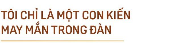 """GS. Phan Văn Trường: Đi ra nước ngoài hãy là chính mình nhưng đừng cứ 5 phút lại tự nhắc nhở """"Tôi là người Việt Nam"""" - Ảnh 8."""