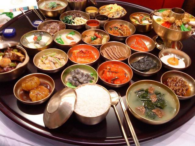 Khám phá mâm cỗ đầu năm mới của người Hàn Quốc: hấp dẫn và cầu kỳ đến khó tả - Ảnh 2.