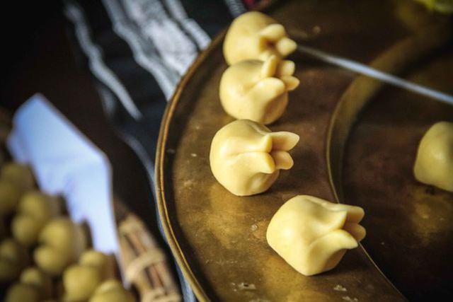 Tết Việt Nam cũng có món bánh truyền thống xinh đẹp cầu kì chẳng thua kém gì Wagashi Nhật - Ảnh 11.