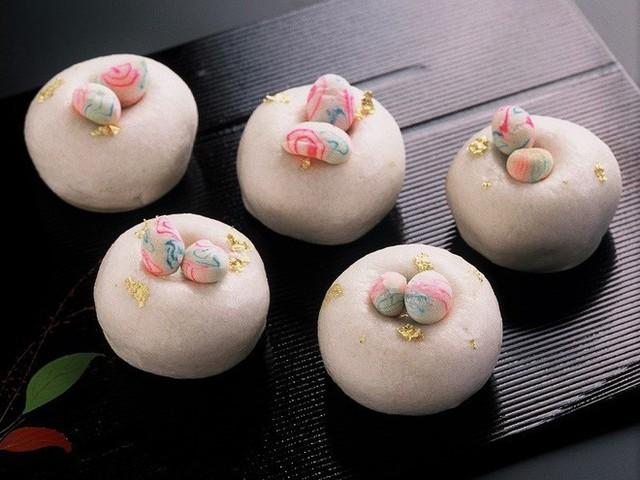 Tết Việt Nam cũng có món bánh truyền thống xinh đẹp cầu kì chẳng thua kém gì Wagashi Nhật - Ảnh 4.