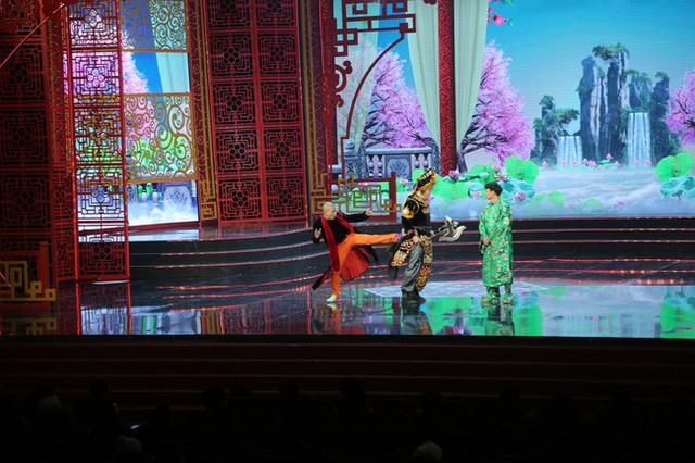 """Táo Quân 2019: Vui vì Ngọc Hoàng thực sự """"làm chủ"""", buồn vì một tiếng cười kém duyên - Ảnh 5."""