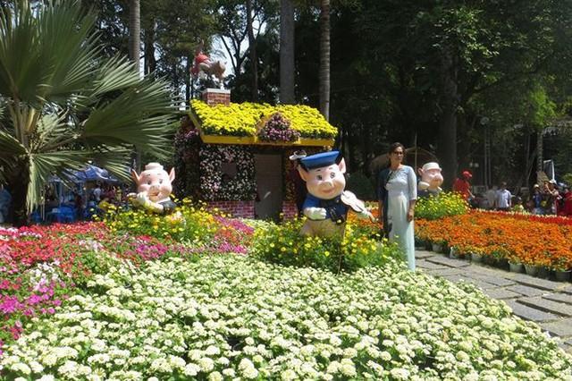 Đi chơi tết, dân Sài Gòn thích thú ngắm kỳ hoa dị thảo - Ảnh 22.