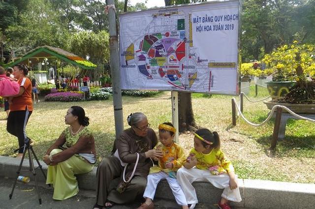 Đi chơi tết, dân Sài Gòn thích thú ngắm kỳ hoa dị thảo - Ảnh 25.