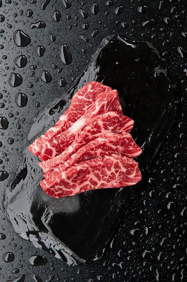 Có gì trong miếng thịt bò đắt nhất thế giới, tận 2 đến 3 triệu đồng cho 400g? - Ảnh 6.