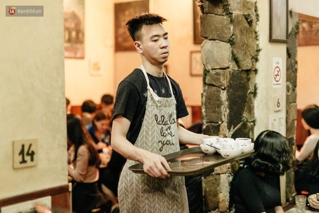 Ông chủ phục vụ 3.000 cốc cà phê trứng Giảng: Hà Nội không quyết định được thành - bại của thượng đỉnh, chỉ là đối đãi bạn bè quốc tế thật tốt - Ảnh 7.
