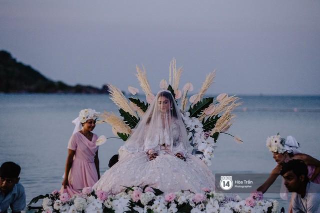 Chùm ảnh: Những khoảnh khắc ấn tượng nhất trong hôn lễ chính thức của cặp đôi tỷ phú Ấn Độ bên bờ biển Phú Quốc - Ảnh 19.