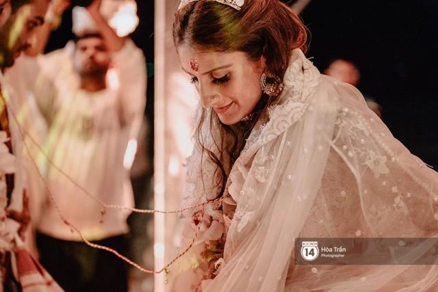 Chùm ảnh: Những khoảnh khắc ấn tượng nhất trong hôn lễ chính thức của cặp đôi tỷ phú Ấn Độ bên bờ biển Phú Quốc - Ảnh 23.