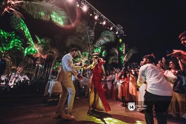 Chùm ảnh: Những khoảnh khắc ấn tượng nhất trong hôn lễ chính thức của cặp đôi tỷ phú Ấn Độ bên bờ biển Phú Quốc - Ảnh 27.