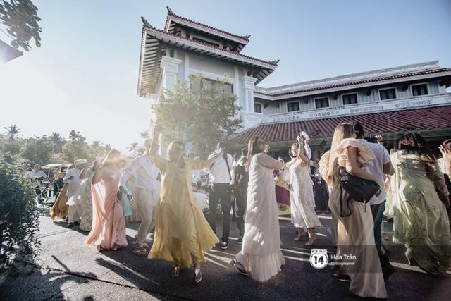 Chùm ảnh: Những khoảnh khắc ấn tượng nhất trong hôn lễ chính thức của cặp đôi tỷ phú Ấn Độ bên bờ biển Phú Quốc - Ảnh 7.