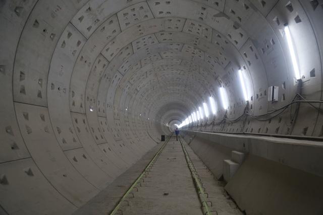 Dự án tuyến Metro số 1 Bến Thành - Suối Tiên vận hành thử nghiệm vào năm 2020 - Ảnh 2.