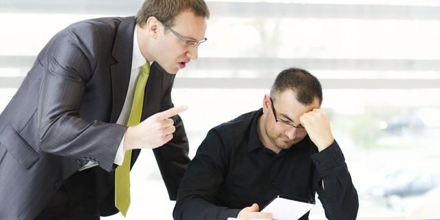 Sếp nghiêm khắc cũng là vì muốn tốt cho nhân viên, nhưng khó tính kiểu này thì nên đi ngay và luôn vì bạn sẽ chẳng bao giờ có cơ hội mà phát triển! - Ảnh 1.
