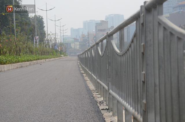 Hà Nội: Cận cảnh tuyến đường dài 4km cạnh sông Tô Lịch chỉ dành cho người đi bộ và xe đạp - Ảnh 6.