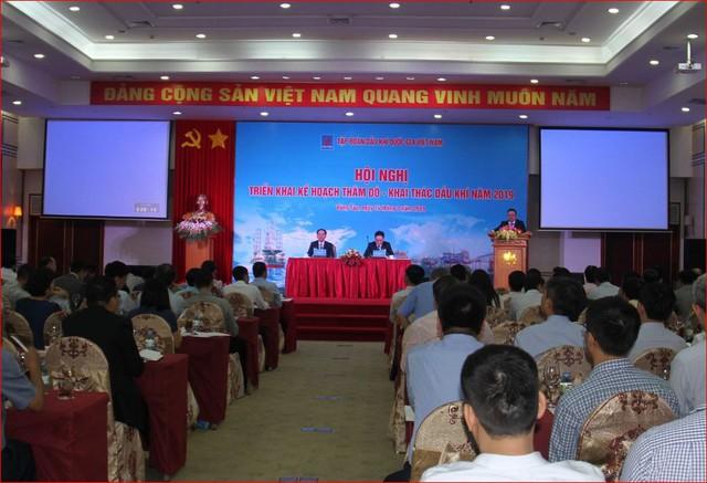Sáng nay, Tổng giám đốc Nguyễn Vũ Trường Sơn vẫn ngồi ghế chủ trì hội nghị của PVN - Ảnh 1.