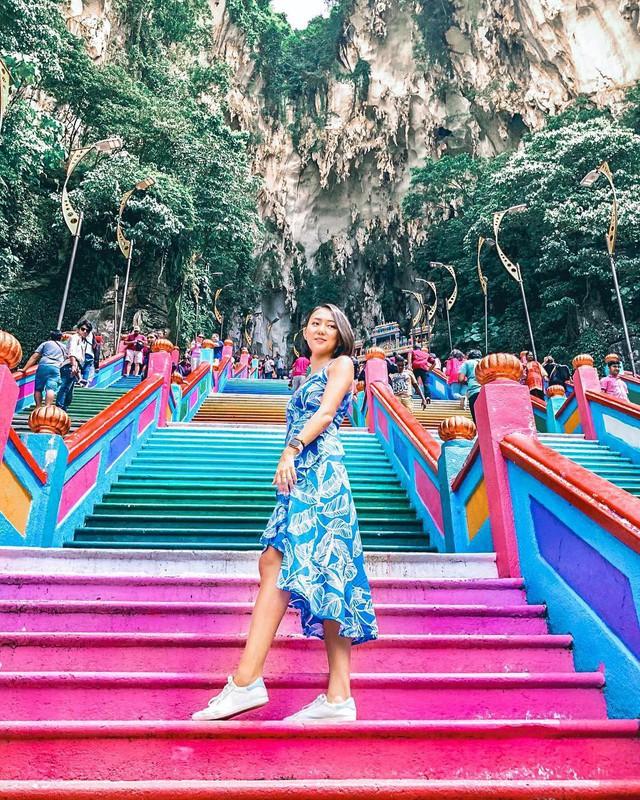 Không thể bỏ lỡ nấc thang cầu vồng 12 năm mới xuất hiện một lần tại hang động nổi tiếng nhất Malaysia - Ảnh 10.